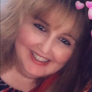 Meet your Posher, Maureen - Poshmark Ambassador